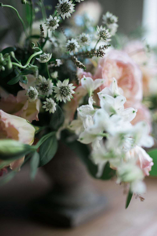 Native-poppy-flowers-martson-house-wedding-event-2