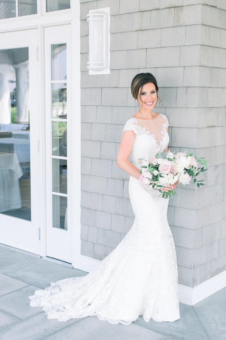 Shorehaven Golf Club wedding bride bridal bouquet blush white peonies.jpg
