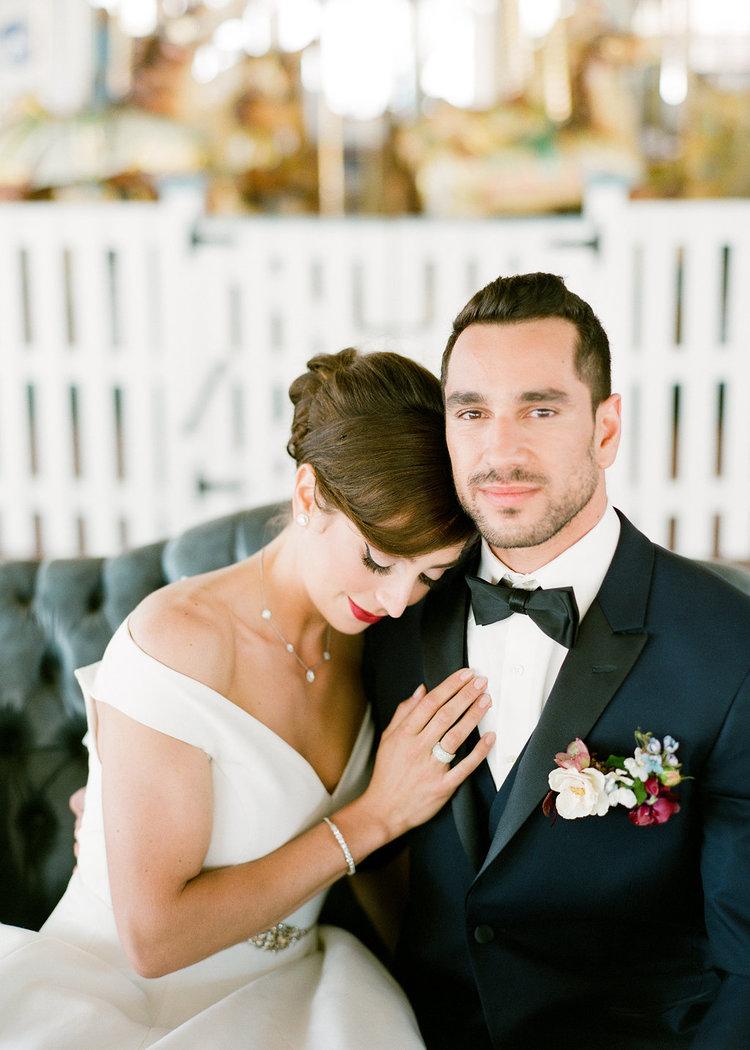 wedding bride groom boutonniere.jpg