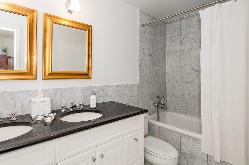 Master Bedroom One En Suite Bathroom