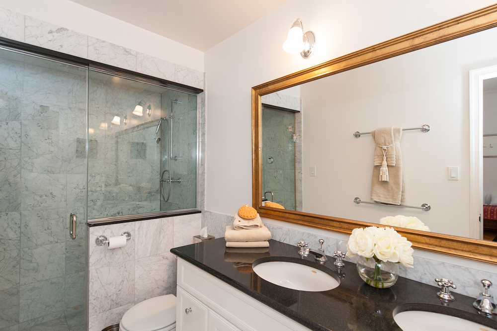 Master Bedroom Two En Suite Bathroom