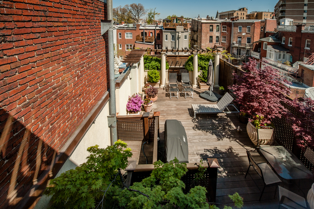 Expansive 600+ square feet Terrace