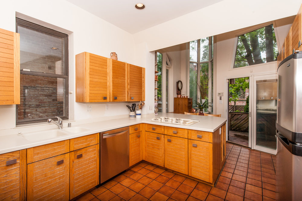 Airy and Bright Kitchen with Access to Patio and Parking