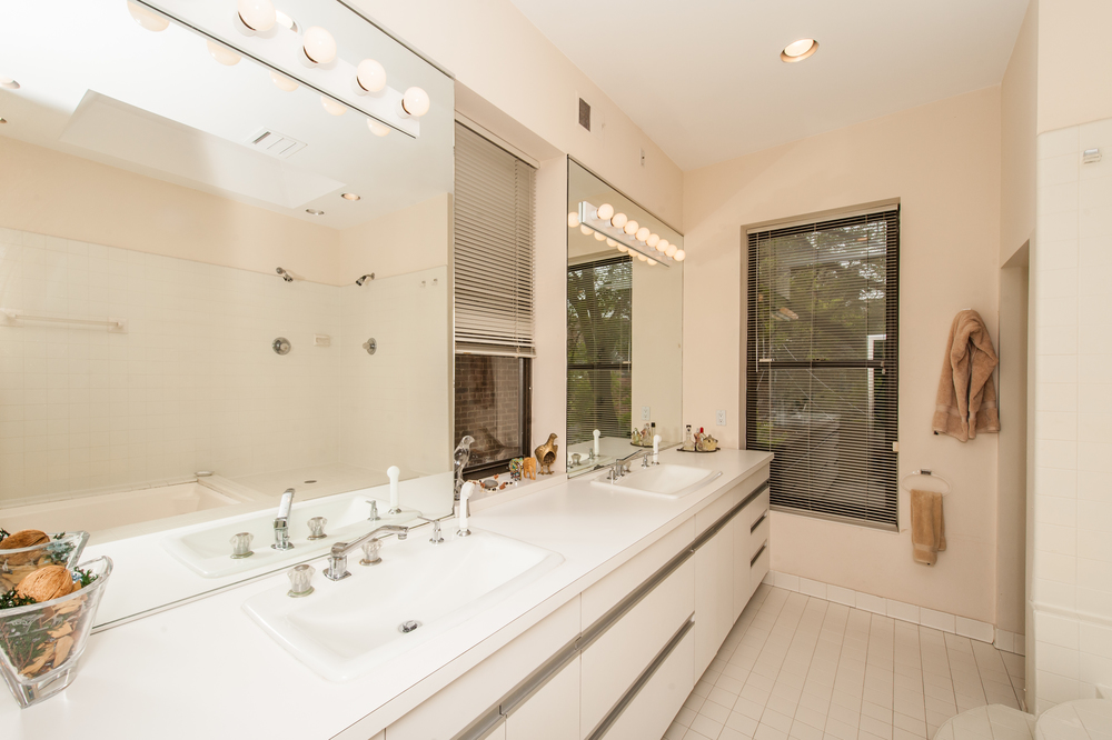 Master Bathroom with Jetted Tub and Separate Shower