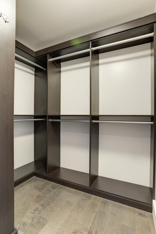 Walk-in Closet (1 of 2)