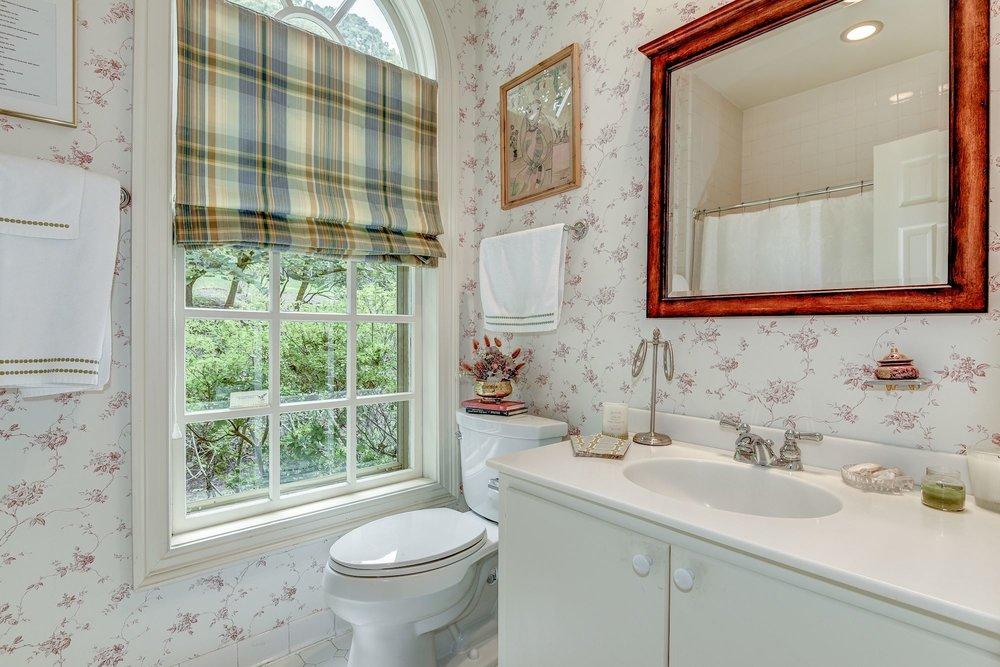 Office En Suite Bathroom