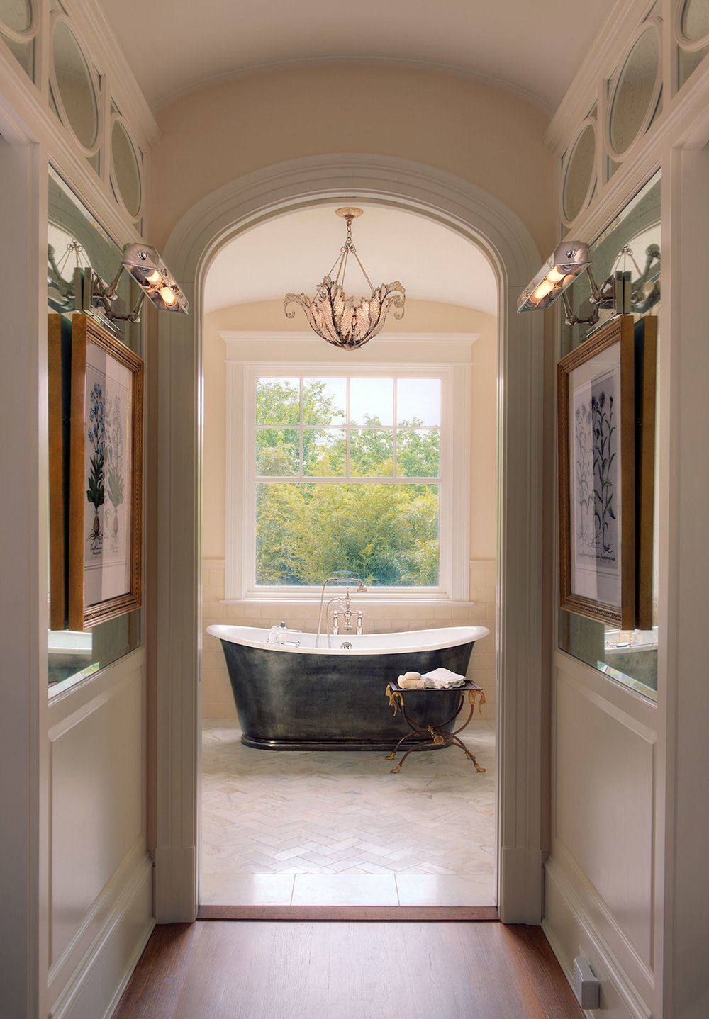 Luxurious Waterworks Soaking Tub
