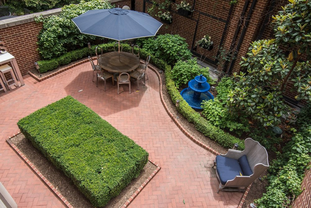 Exquisitely Landscaped Private Garden
