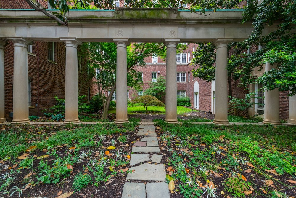 Colonnade Garden