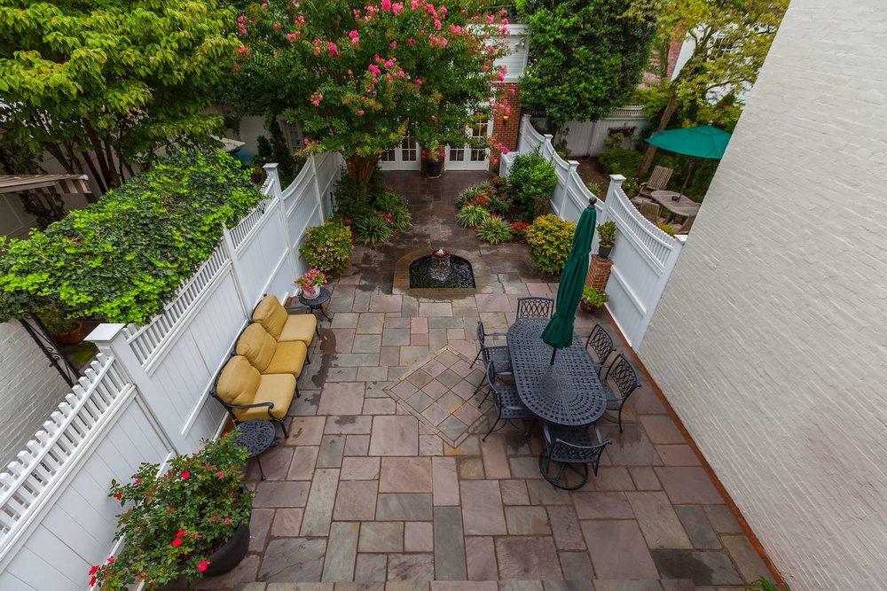 Professionally Landscaped Terrace & Garden