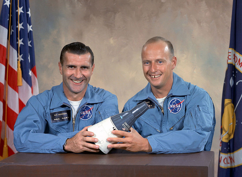 Richard Gordon (L) and Pete Conrad (R) Photo credit: NASA