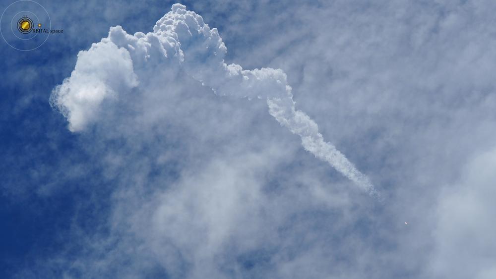 Delta IV Heavy rockets into space