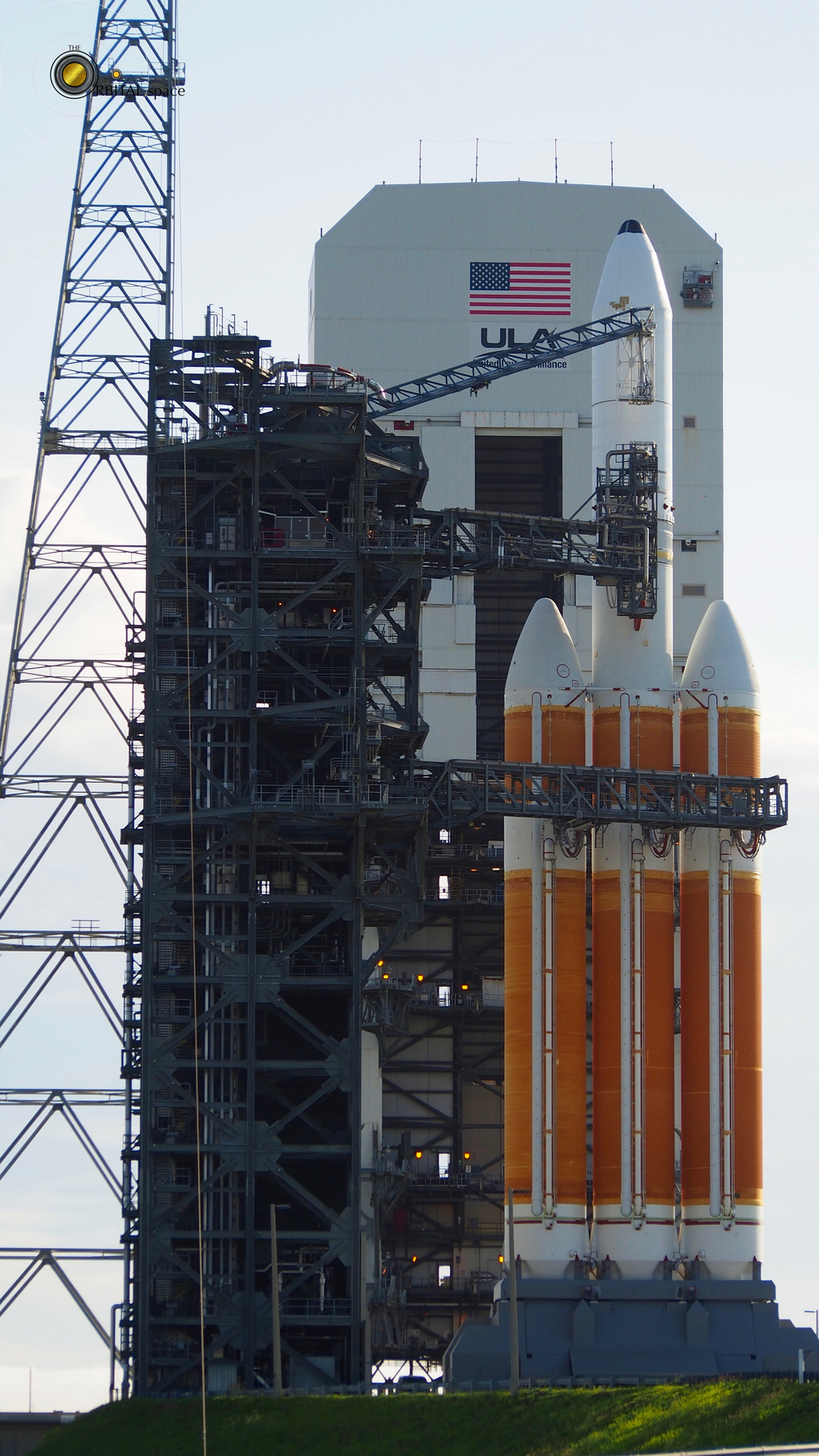 Delta IV Heavy, Mobile Service Tower rollback