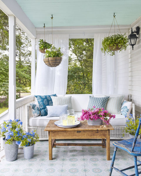 Photo: Pinterest via Country Living: Annie Schlecter, Prop Styling by Becki Griffin