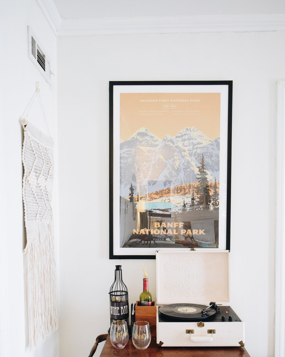 Isn't this Banff Poster perfect?! I love vintage style travel prints.