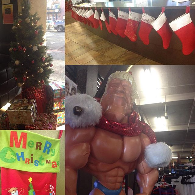 It's the most #wonderswole time of the year!! It's #Christmas time at #phgsr and we are giving back this year! We have a toy and coat drive this year for kids and those that are in need! Please bring new, unwrapped toys, or any coats/jackets that you have to donate, and you'll be entered to win free months on your membership, gift certificates to local businesses, and much more! #givemorelove #powerhousegym #xmastree #stockings #merrychristmas #jinglebells #donate #toysfortots