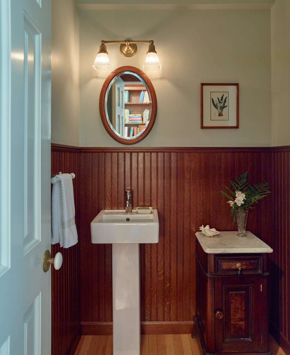 VICTORIAN ITALIANATE  First floor powder room