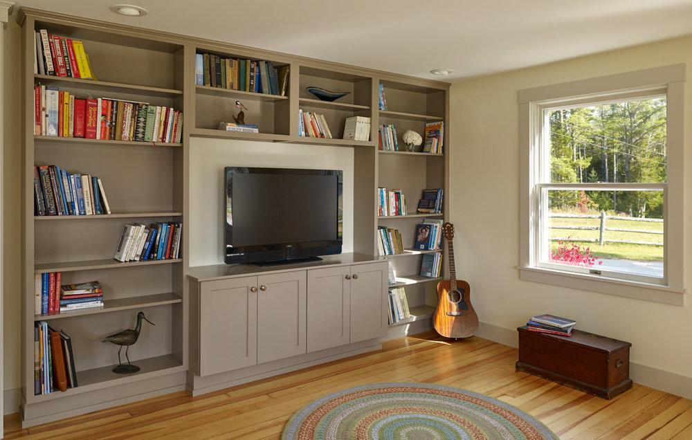 NEW MEADOWS RETREAT  Living room