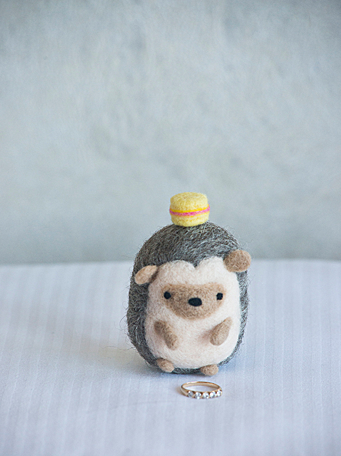 ErinShimazuPhotography_Wedding_Ring_Hedgehog