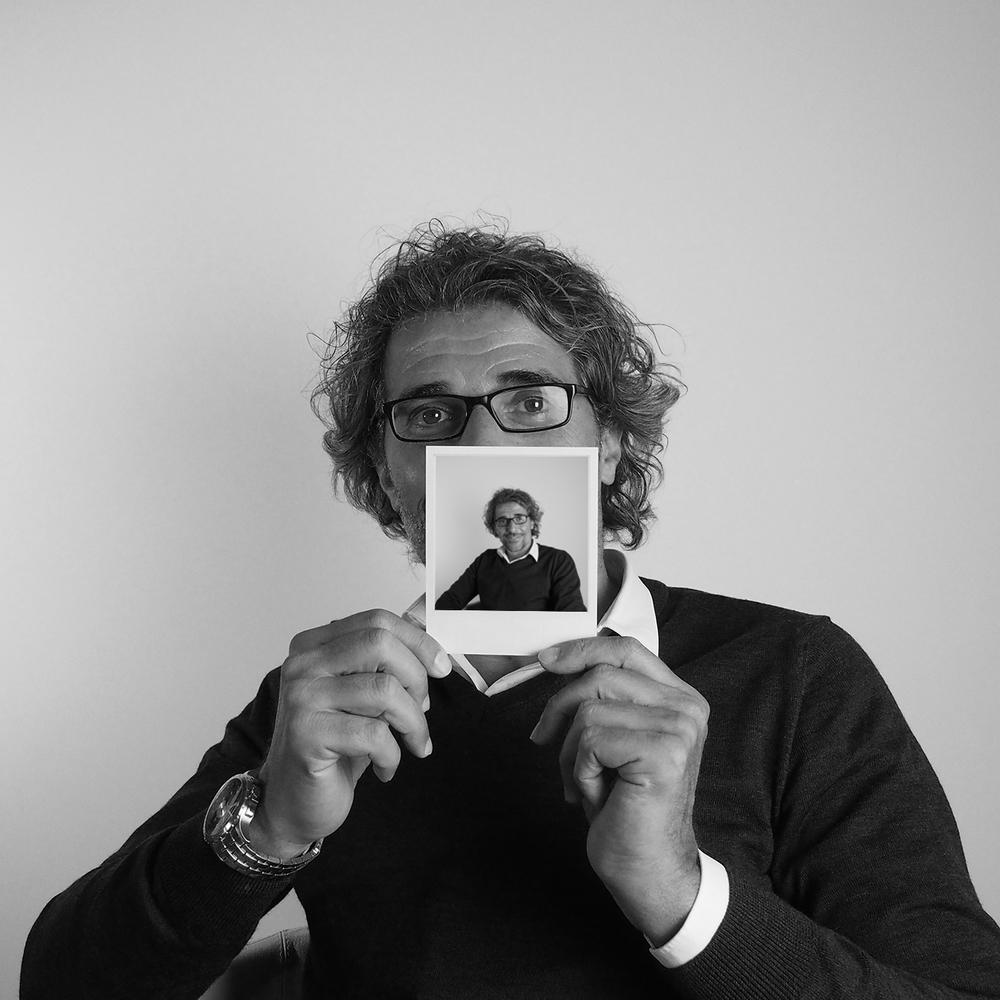 Paolo Lombardo   via del Mercato, 89 97100 Ragusa  tel:0932 654955  339 480 7520   lacasadipaolo@virgilio.it