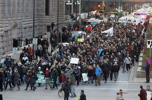 Thousands march in Minneapolis for justice for Jamar Clark