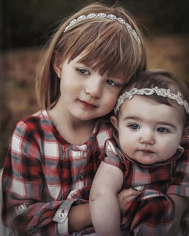Sweetest little sisters. ❤️ #fineartportrait #fayettevillearkansas