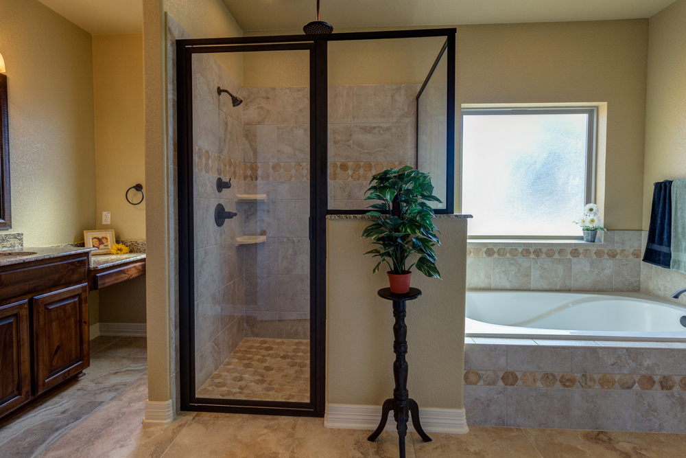 Owners suite bath.jpg