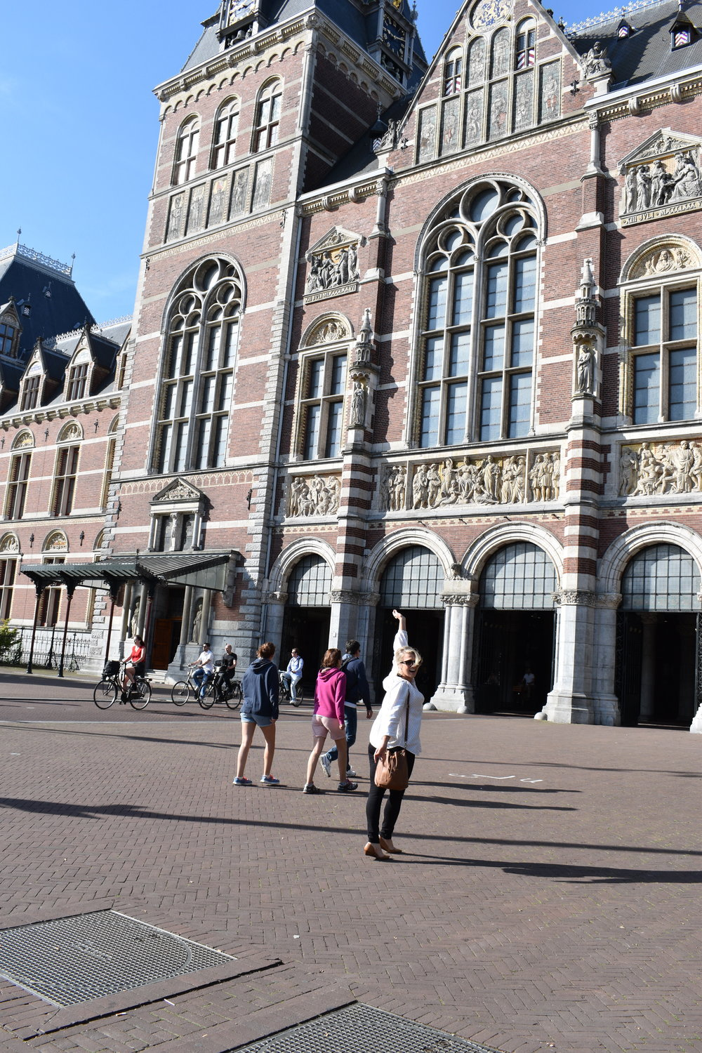 JUST LITTLE BIT EXCITED TO BE HEADING INSIDE THE FAMOUS RIJKSMUSEUM. RIJKSMUSEUM, AMSTERDAM.