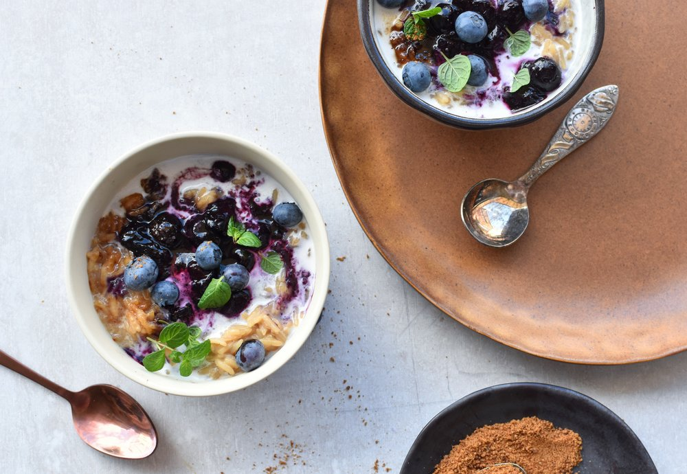 COCONUT SUGAR RICE PUDDING WITH BLUEBERRIES