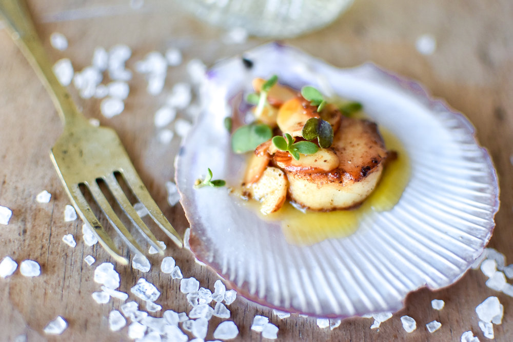 SCALLOPS WITH ALMOND BEURRE NOISETTE