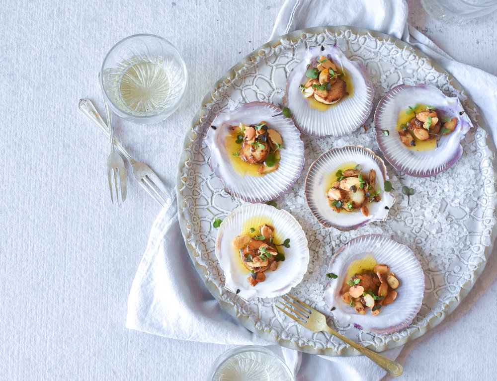 SCALLOPS WITH BEURRE NOISETTE + ALMONDS