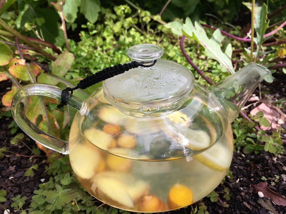 Tumeric ginger and lemon tea