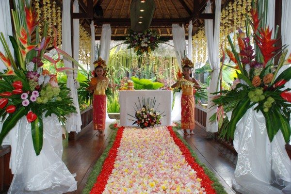 Viceroy wedding bali for two wedding planner experience the balinese themed wedding at the luxirious viceroy bali set in a majestic tropical landscape overlooking ubuds valley of the kings junglespirit Gallery