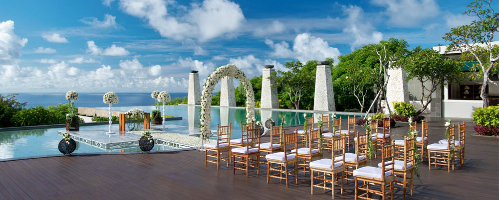 Banyan-Tree-Ungasan-Romance-Wedding-Bambu-1170x470.jpg