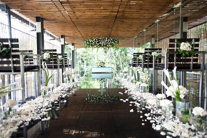 glass chapel3.jpg