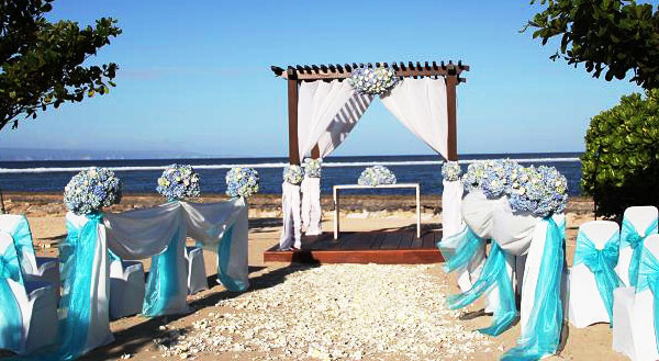 kayumanis nusa dua beach wedding.jpg