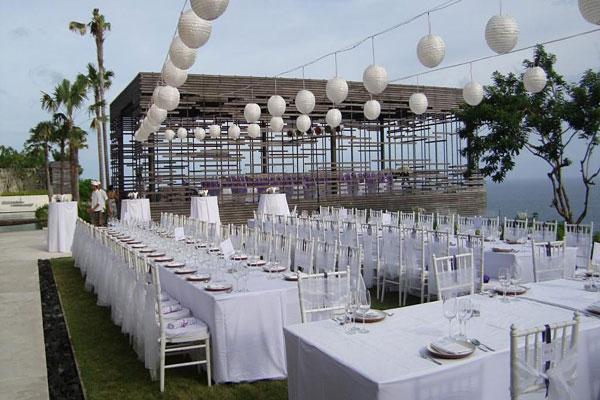 Alila Uluwatu Cliff Edge Cabana Wedding And Private Villa Reception