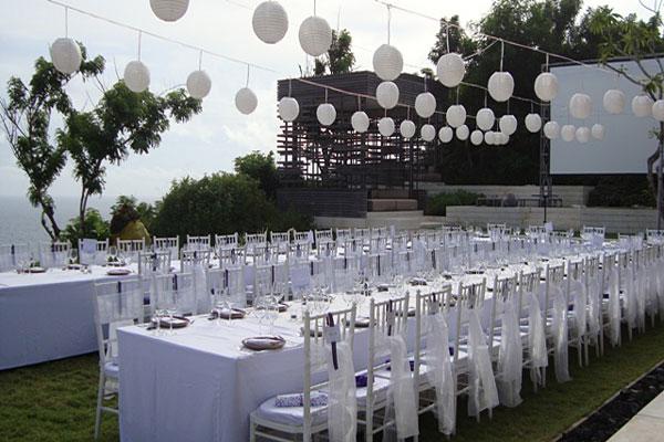 Villa wedding bali for two wedding planner alila villas bali wedding reception 2g junglespirit Image collections