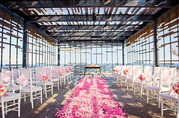 wedding-in-bali-at-Alila-Villas-Uluwatu-photo-by-marcus-bell-of-studio-impressions-15.jpg