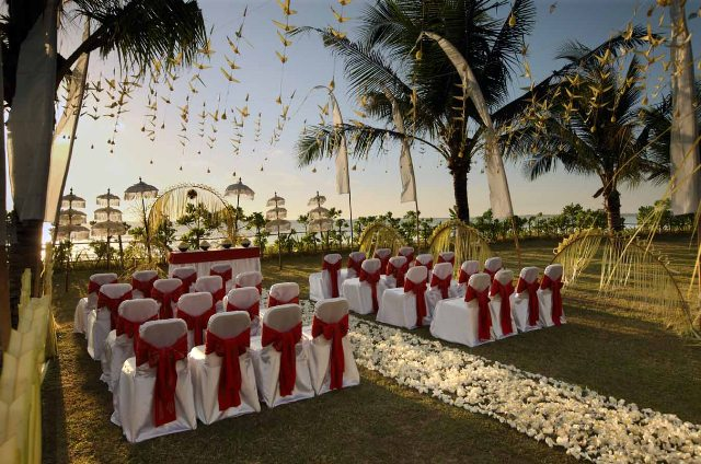 Balinesse-wedding-decoration-at-Intercontinental.jpg