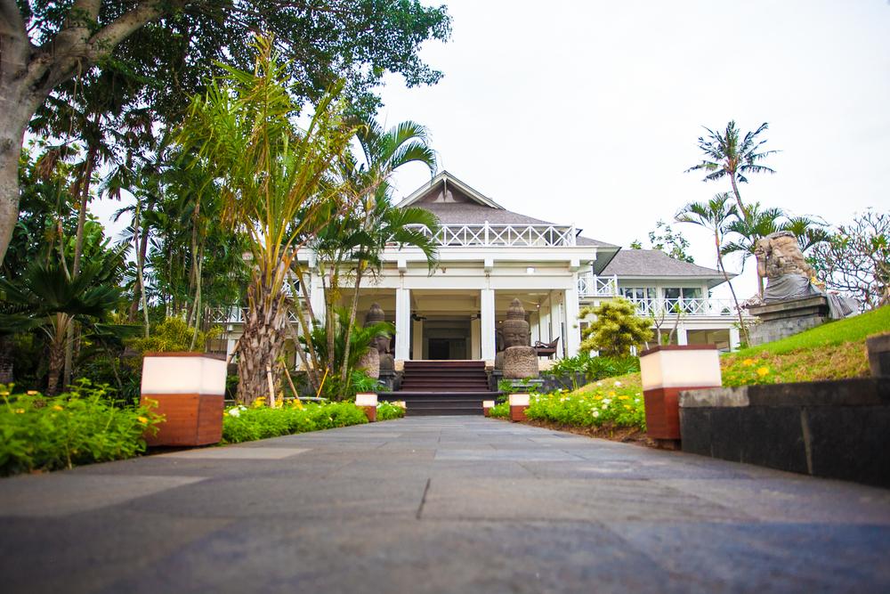 Villa Gajah Putih Aisle.JPG