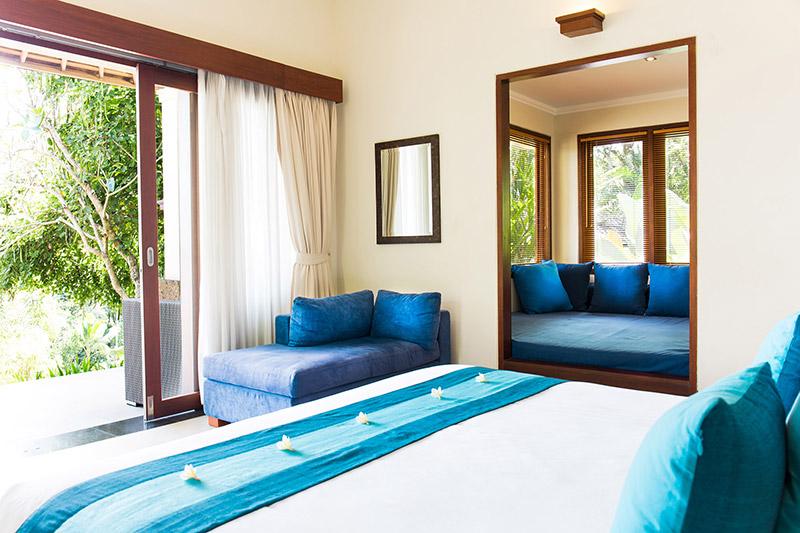 guest-suite-blue-room.jpg