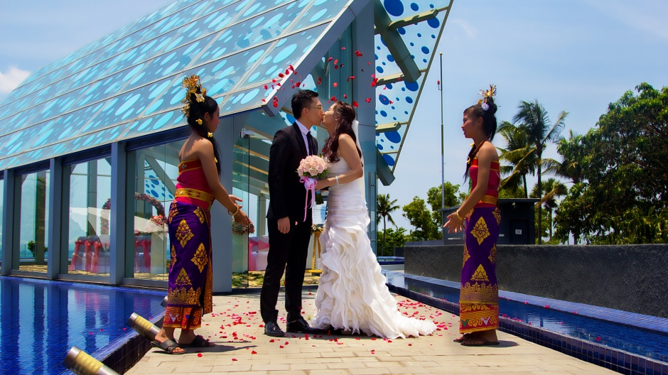 Photo-Gallery---Intimate-Wedding-Ceremony-in-Bali---Le-Meridien-Bali-Jimbaran.jpg