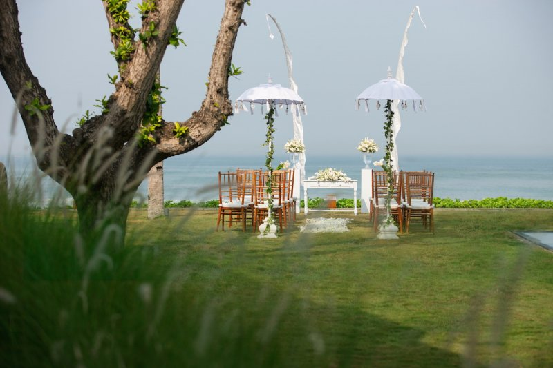 alila-seminyak-beachfront-wedding.jpg