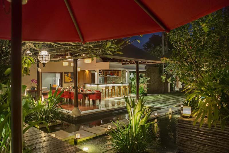 villa-asta-dinig-and-bar-area.jpg