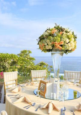 Pandawa Cliff Estate - Stunning table setting.jpg
