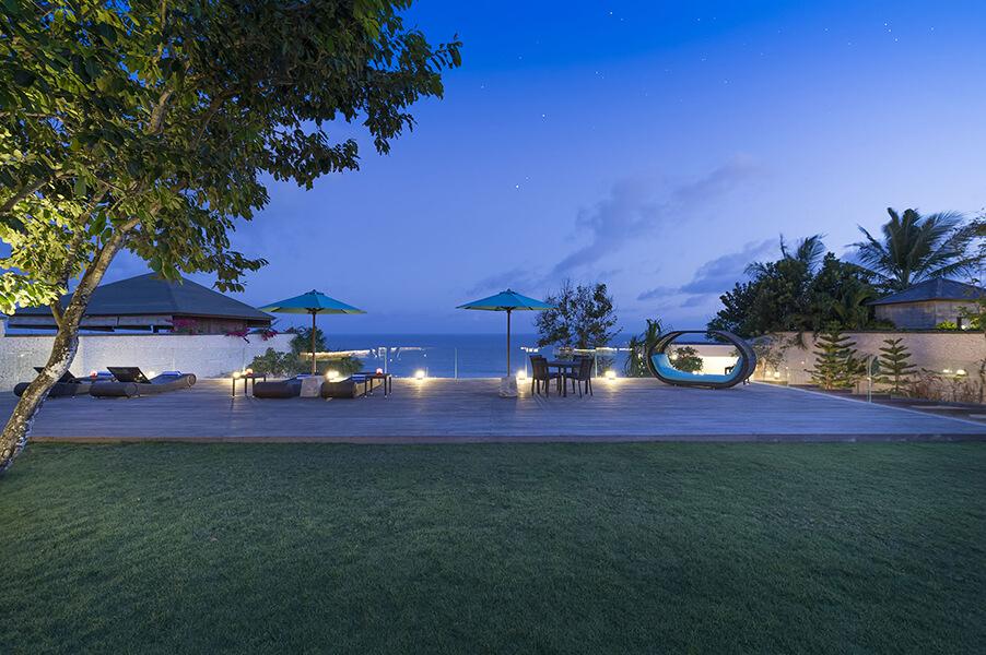 Pandawa-Cliff-Estate-Villa-Markisa-Garden-setting-at-dusk.jpg