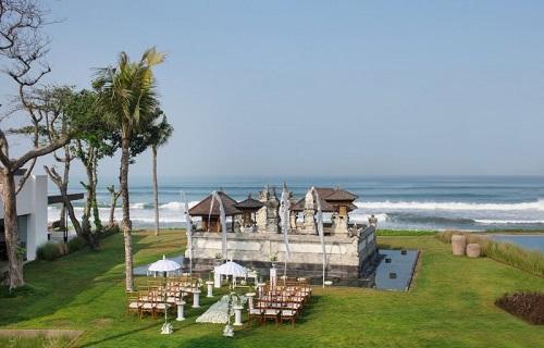 alila-seminyak-temple-wedding.jpg