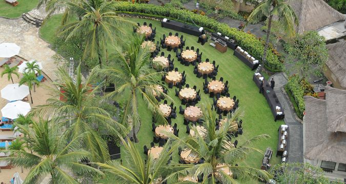 HL_aerialpoolgarden_66_675x359_FitToBoxSmallDimension_Center.jpg