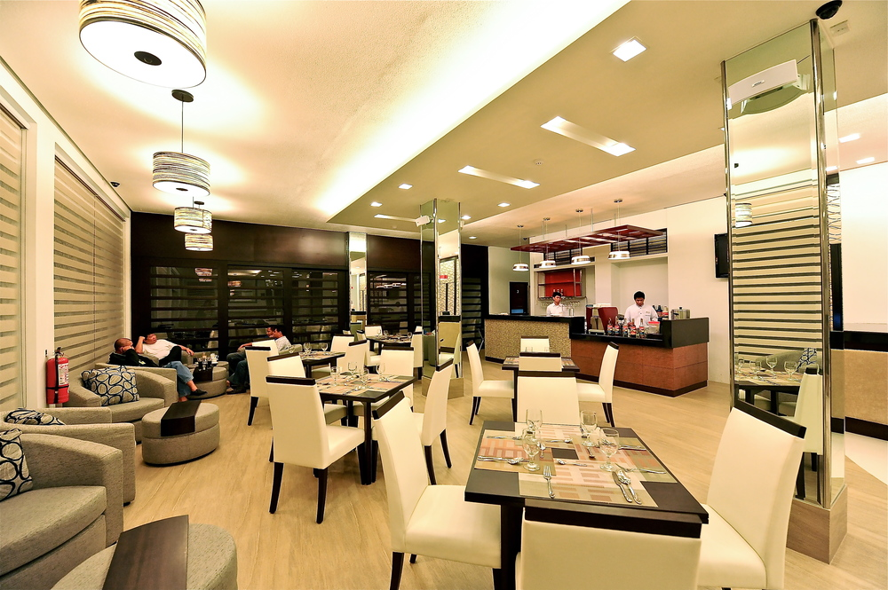 Casablance Suites - coffee shop - bar.jpg